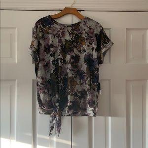 Simply Vera floral front tie tshirt